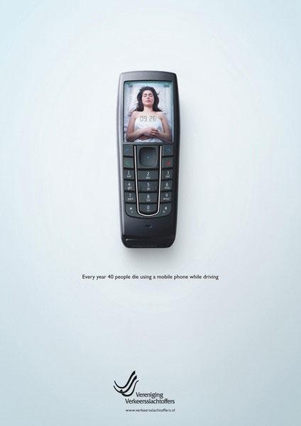 Grafous :: Diseño gráfico social, activista y sosyenible :: Accidentes de tráfico :: Teléfono Móvil